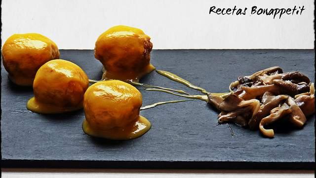 Albondigas de pavo con salsa de melocoton