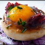 Champiñon con huevo de codorniz al horno