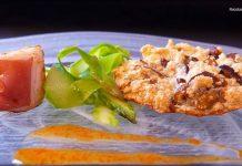 Tallarines de esparragos y merengue de boletus