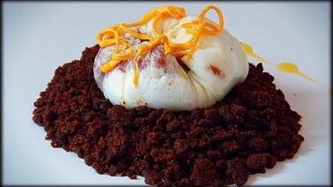 Huevos flor sobre tierra de almendras by recetasbonappetit