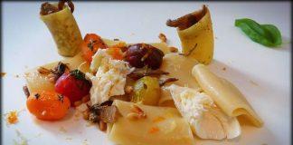 Pasta con mozzarella y ralladura de citricos