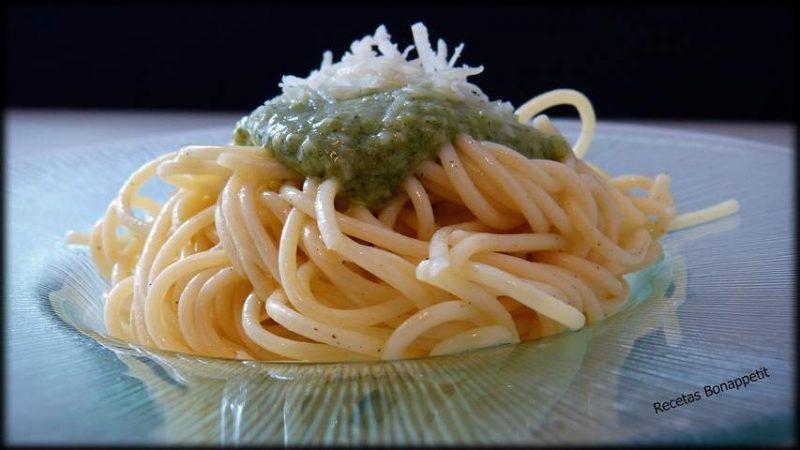 pasta con salsa pesto