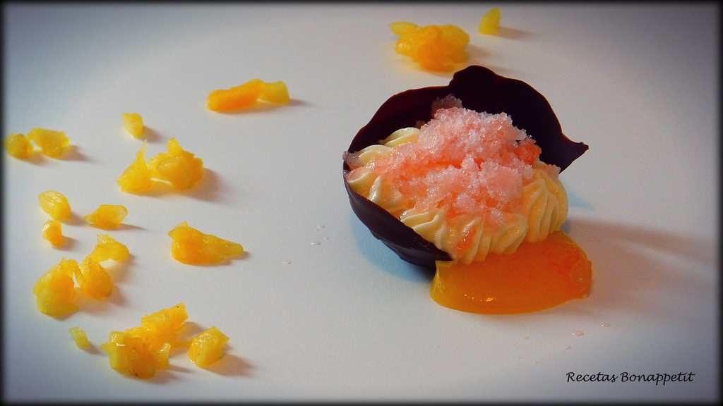 crema de mandarina, mousse de piña y granizado de pomelo